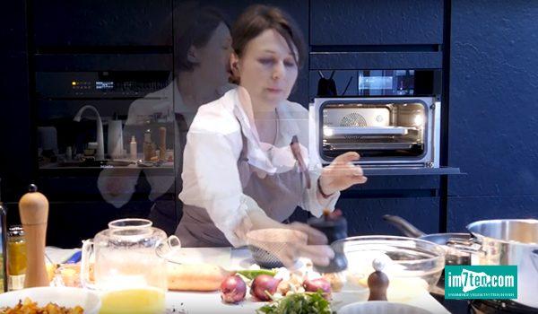 Christine Hesky beim Kochen