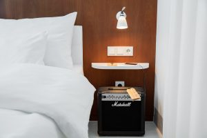 ruby_marie_hotel_vienna_-_bed_marshall_amp