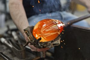 Glasbearbeitung (Foto: Cathrine Stukhard)