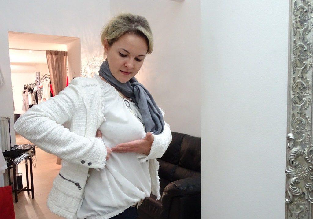 Wie muss ein BH sitzen? Kristina Purzner erklärt es in der Lingeria Macchiato gerne!