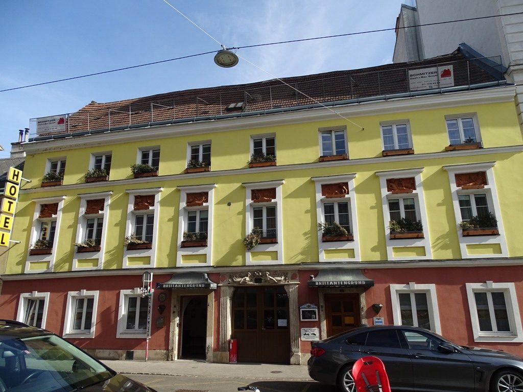 Bandgasse 4, Hotel am Brillantengrund