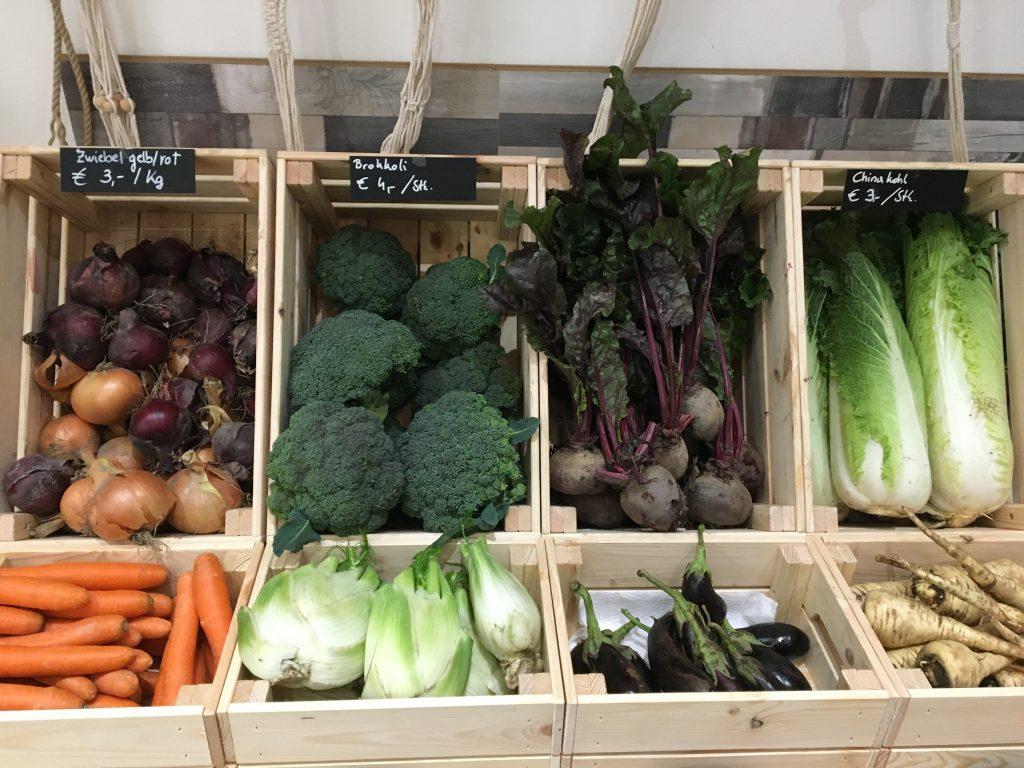 Tolle Gemüseauswahl im Biohof Radl Gemüsewerk in der Seidengasse